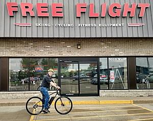 FREE FLIGHT-KEN ON BIKE